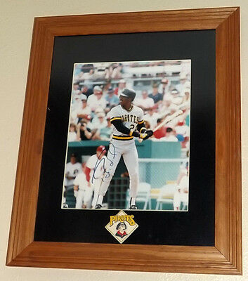 Barry Bonds Pirates Signed 8x10 Photo Autograph Auto with Frame and Matting