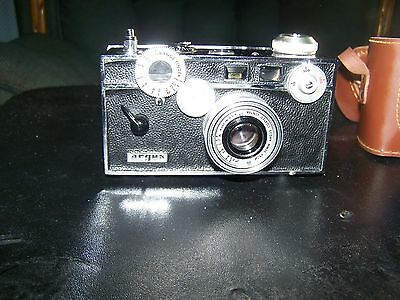 "Vintage ARGUS C-3 Rangefinder Camera with Leather Case   ""The Brick"" f3.5 50mm"