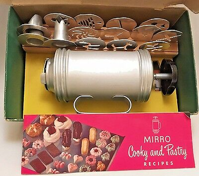 Vintage Mirro Cooky and Pastry Press 358 AM w/ 14 Tips Instruction Book Orig Box