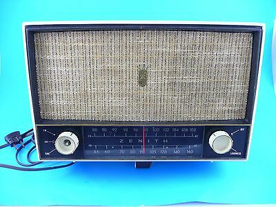 Vintage Zenith AM/FM Table Tube Radio White, Sounds Good Early 1960's
