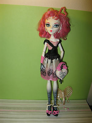 Monster High DOLL 1st wave Ca cupid has her ring ,