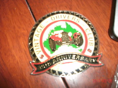 vintage drivers club 35th anniversary metal badge to fasten to car new