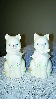 Blue Eyed Kitten Cat Girls Pink Ribbons Salt & Pepper Shakers Set RUSS White