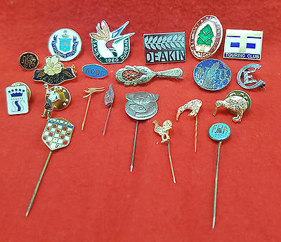 Mixed Badges And Pins A Lot Of 21
