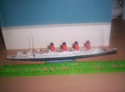 Die cast model ship 'Lusitania'