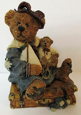 Boyds Bears & Friends #2000 Bailey Bear with Suitcase 1993  No box