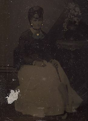 OLD VINTAGE ANTIQUE TINTYPE PHOTO of LOVELY YOUNG LADY STUDIO PORTRAIT