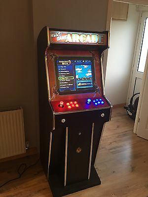 Full Size Arcade Machine With 520 Games