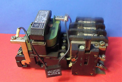 General Electric Size 1 Contactor Motor Starter Cat# CR206C0  600V AC    {360]