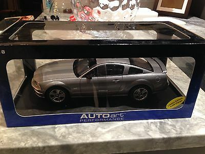 1/18 Autoart 2005 Ford Mustang Gt Tungsten Silver Grey New Rare Sold Out Hot