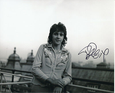 David Essex SIGNED photo - J889 - Singer and actor