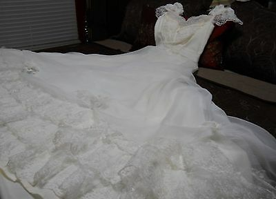Vintage 60s Ivory Chiffon Lace Cap Sleeve  Wedding Gown