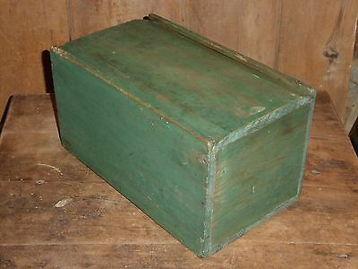 19th C OLD ORIGINAL PRIMITIVE EARLY APPLE GREEN PAINT WOOD SLIDE LID CANDLE BOX