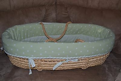 Baby Moses Basket Portable Bassinet Woven with Neutral Green Bedding