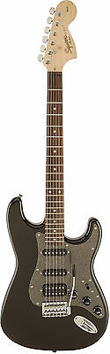 Squier Affinity Stratocaster HSS in Montego Black