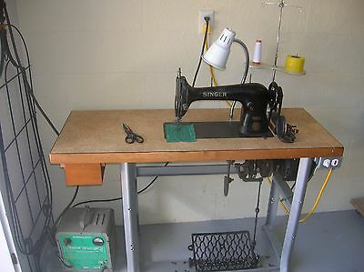 Singer Industrial Antique Sewing Machine Model 31-15 Complete w/Stand Motor
