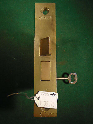 VINTAGE YALE MORTISE LOCK w/ KEY  - RECONDITIONED - WORKS GREAT!   (7205-G)
