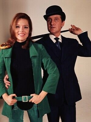 PATRICK MacNEE & DIANA RIGG UNSIGNED PHOTO - 4751 - THE AVENGERS