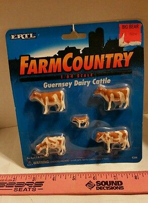1995 Ertl Toy 1/64 Farm Country Guernsey  Dairy Cows & Calf 5 Piece Cattle Nip!