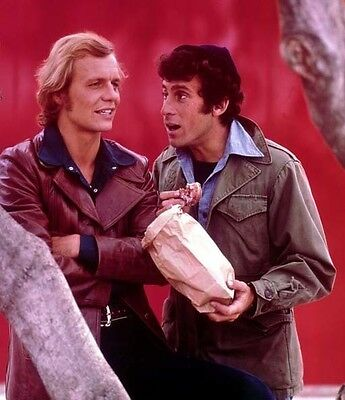 Paul Michael Glaser and David Soul UNSIGNED photo - H6101 - Starsky and Hutch