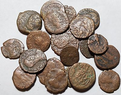 LOT OF 20 ROMAN ANCIENT COINS 14-17mm SCU39421