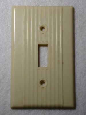 Single switch plate Vintage mid century LEVITON ribbed BEIGE bakelite