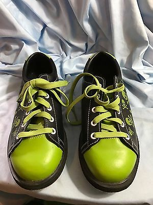 Pyramid Youth Skull Green and Black Bowling Shoes Size 5