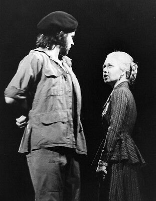 Elaine Page and David Essex UNSIGNED photo - H6131 - Evita