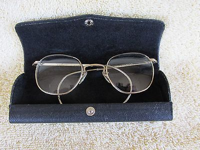 Vintage American Optical AO Eye Glasses Spectacles w Case
