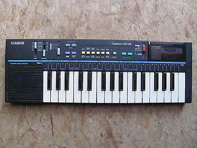 Casio Casiotone MT-28 + ROM Pack RO-554 'Family Songs' Vintage (PT-100 variant)