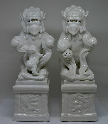 Vintage Chinese Porcelain Foo Dog Statues ~ 10 '' Tall ~