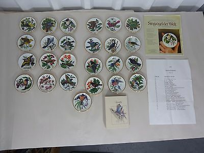 Franklin Mint Songbirds Of The World Set of 25 Mini Plates With German Papers