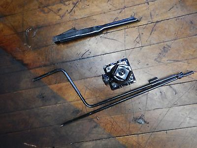 Jeep Cherokee XJ  84-01   OEM  Factory Jack Set up complete  FREE SHIPPING