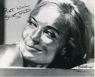 Shirley Eaton SIGNED photo - J1133 - James Bond - Goldfinger