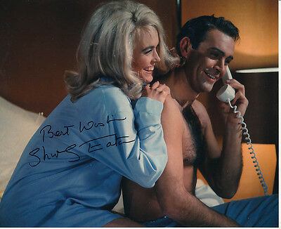 Shirley Eaton SIGNED photo - J1135 - James Bond - Goldfinger