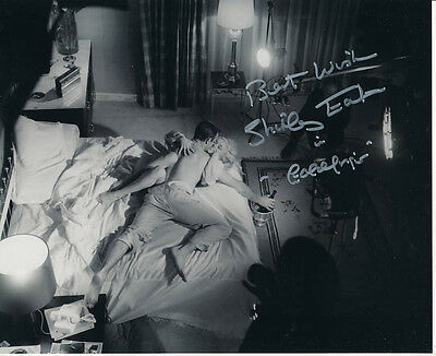 Shirley Eaton SIGNED photo - J1094 - James Bond - Goldfinger
