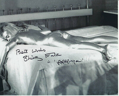 Shirley Eaton SIGNED photo - J1096 - James Bond - Goldfinger