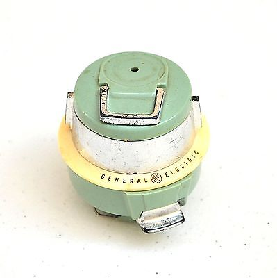 Vintage 1959 Miniature General Electric Souvenir Vacuum Tape Measure.