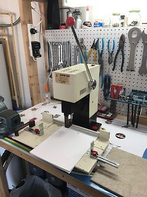 Martin Yale Model 202 Single Hole Heavy Duty Paper Drill