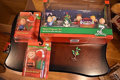 PEANUTS Holiday Poseable Figure Collection Lot Snoopy Charlie Brown and the Gang
