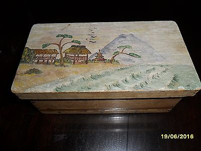Vintage Wooden Box With Mountain Scene **really Nice!**