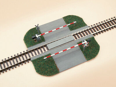 Auhagen 41582 NEW HO LEVEL CROSSING WITH BARRIERS