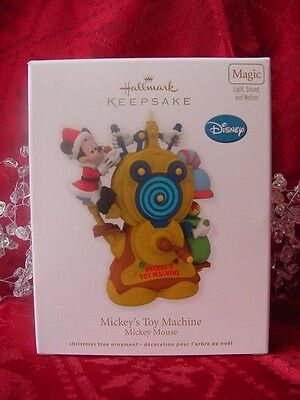 MUSICAL ORNAMENT plays TOYLAND DISNEY Mickey's Toy MACHINE Hallmark 2012 NEW