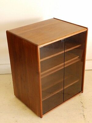 Vintage Mid Century Modern Walnut Record/Stereo Cabinet Glass Doors/Shelves