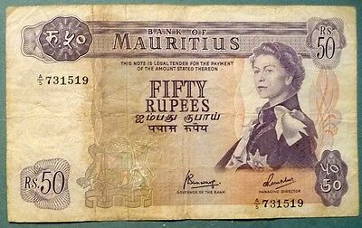 MAURITIUS 50 RUPEES NOTE FROM 1967. P 33 c , QUEEN,  SIGNATURE 4