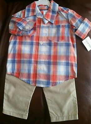Carter's Baby boy outfit 2 pcs set. Shirt and pants size 3 months