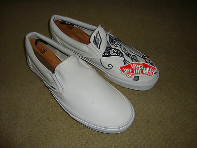 Vans Men's Artistic Shoes Size 10.5 USA in NEW Condition
