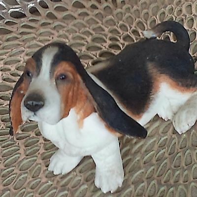 Country Artists Floppy Ear Basset Hound Multi Color 2004  Dog Sitting Figurine