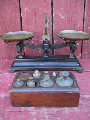 Vintage Cast Iron And Brass No.4 Balance Scale With Weight Set.