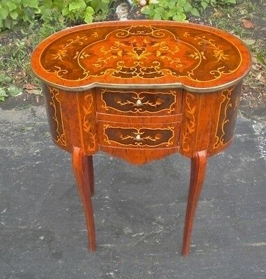 FINE Louis XV style side table commode